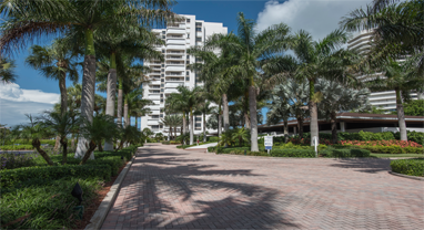 Royal seafarer-condominiums-for-sale